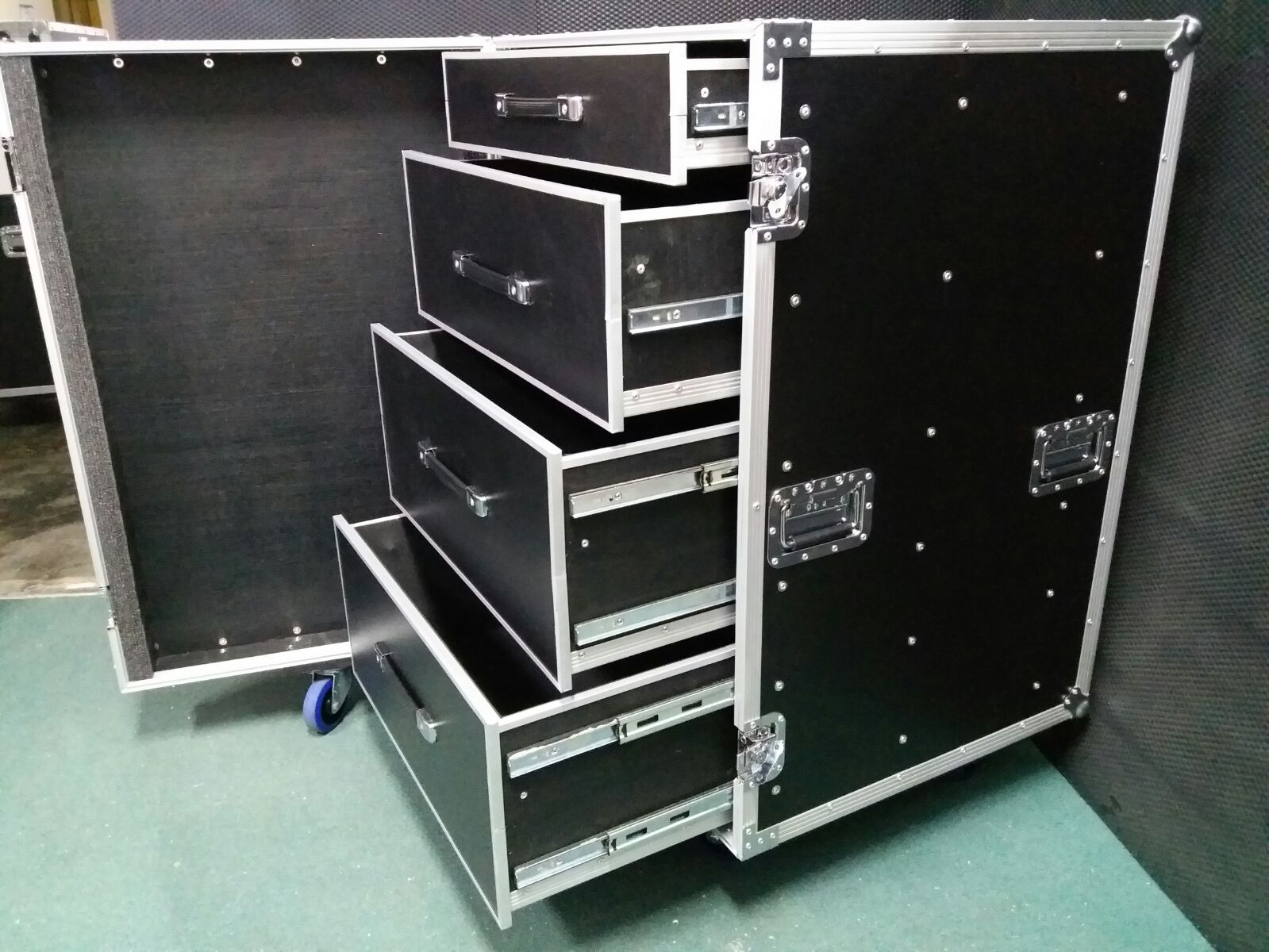 Big Size 4 Drawer Case 1